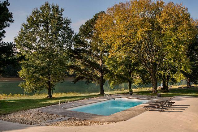 barcelona-pearl-white-G3-fiberglass-river-fall-foliage.jpg