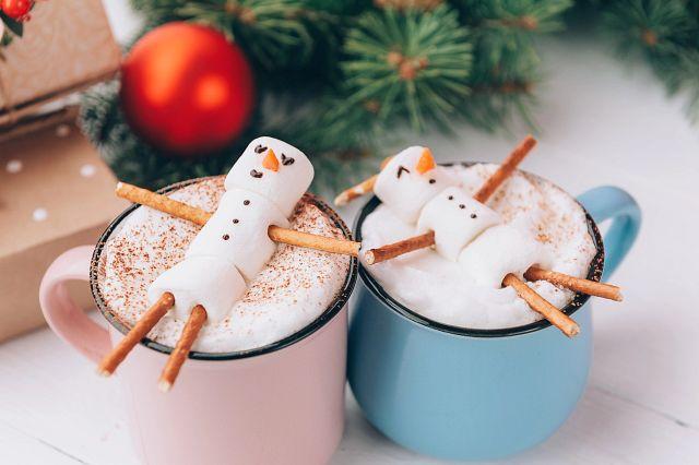 iStock-snowpeople-in-cocoa-mugs-unedited.jpg